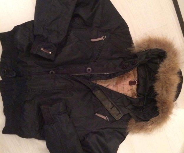 Пуховик с капюшоном чёрного цвета размер m. Фото 1. Москва.