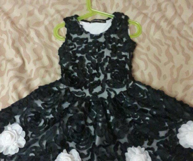 Детское праздничное платье. Фото 1.