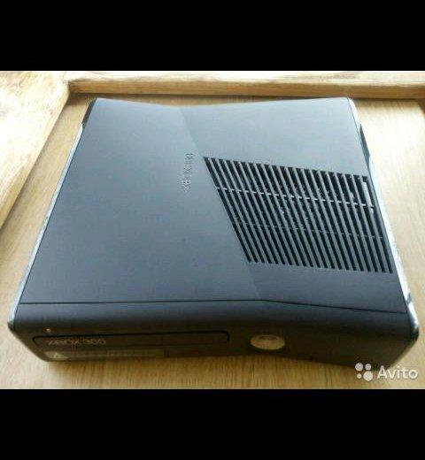 Xbox 360 350g 2геймпада+игры. Фото 1. Краснодар.