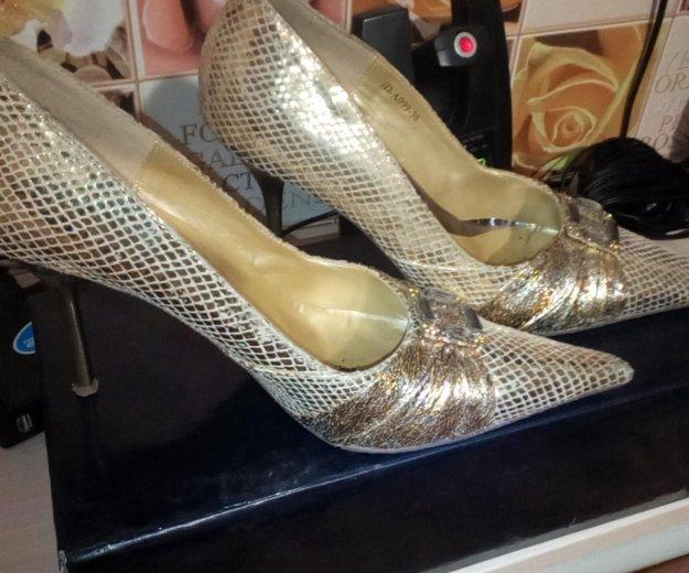 Продам туфли ,одевала один раз. Фото 2. Новосибирск.