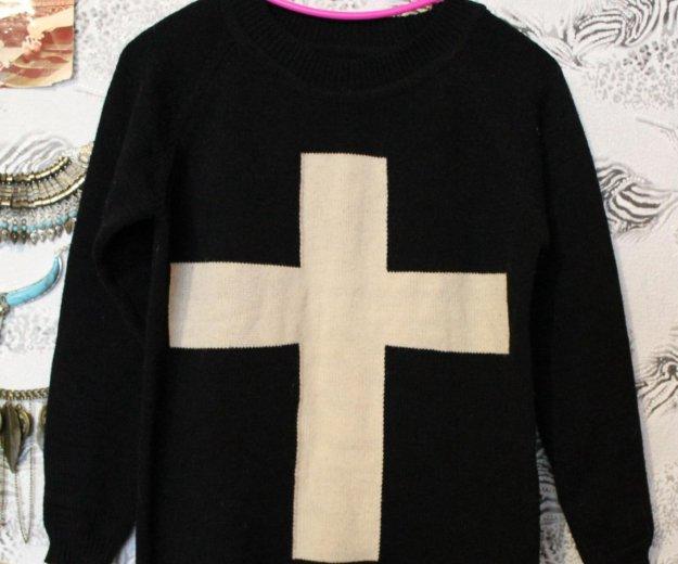 Свитер черный с крестом. Фото 1. Набережные Челны.