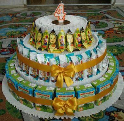 Детский тортик из сладостей и сока. Фото 1. Уссурийск.