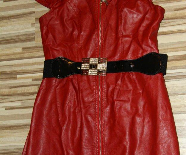 Кожаное красное платье. Фото 1. Тюмень.