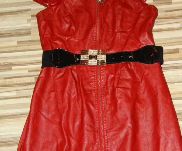 Кожаное красное платье. Фото 2. Тюмень.