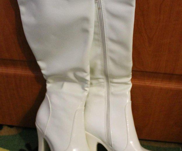 Белые сапоги. Фото 1. Набережные Челны.