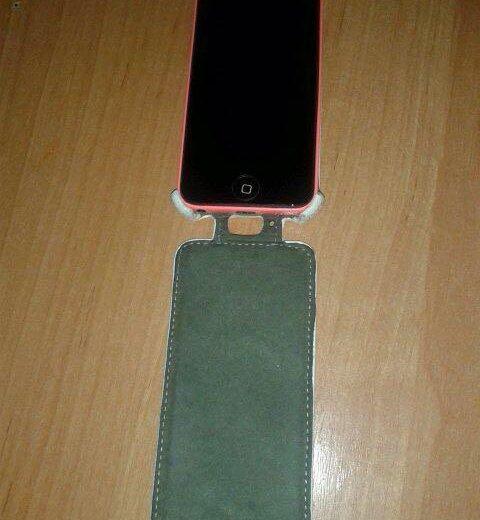 Iphone 5c. Фото 1. Омск.