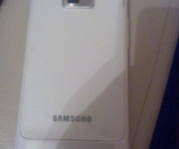 Samsung gt-i9105. Фото 2.