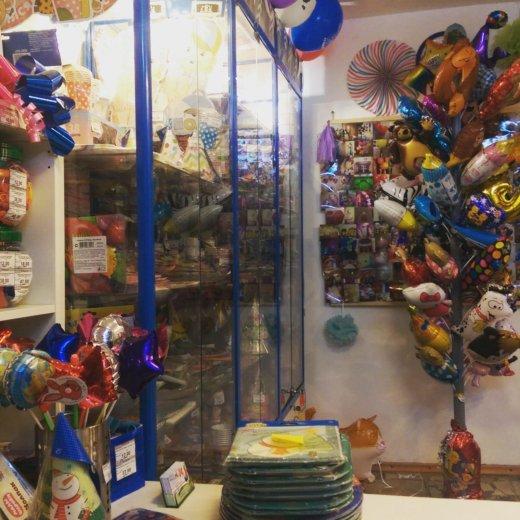Магазинчик,товаров для праздника. Фото 1. Москва.