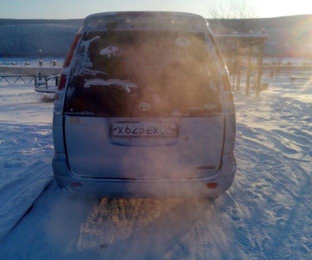 Тойета лит айс ноах. Фото 3. Ленск.