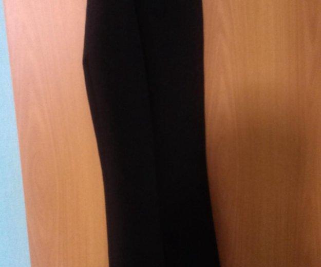 Новые брюки с этикеткой. Фото 1. Тюмень.
