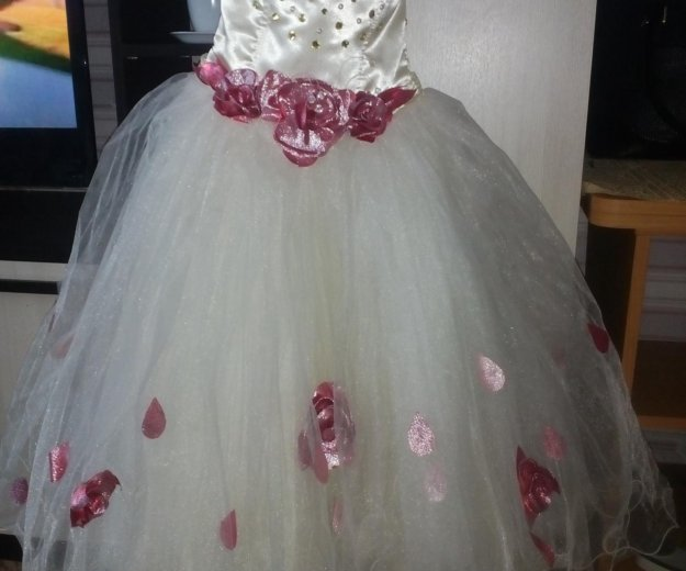 Платье нарядное на 6-8 лет, корсет на резинке. Фото 2. Реж.