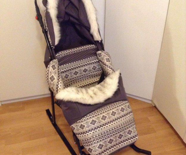 Санки-коляска. Фото 1. Москва.