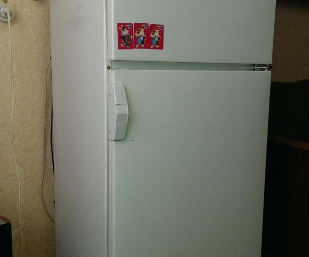 Холодильник 2-камерный. Фото 1. Юрга.