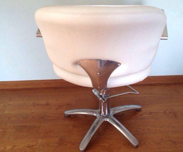 Кресла для парикмахерской. Фото 3. Сочи.