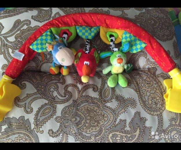 Дуга с подвесными игрушками travel play gym. Фото 2. Нефтеюганск.