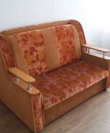 Продаётся диван! двухспальный!раскладной!. Фото 1. Шелехов.