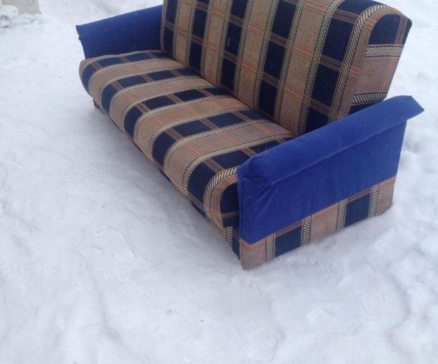 Отличный диван. Фото 1. Киров.