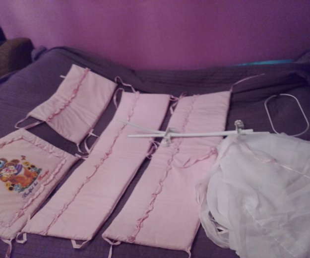Набор в кроватку розовый. Фото 1. Химки.