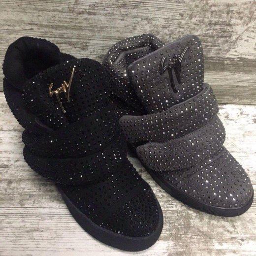 Зимние ботинки ,очень круто переливаются. Фото 1. Барнаул.