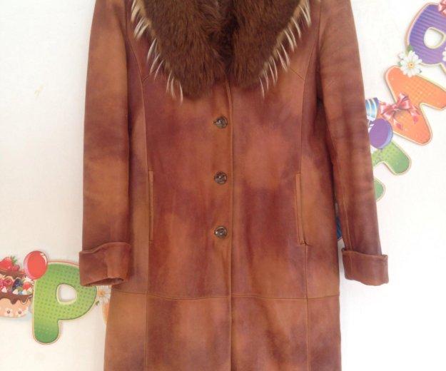 Пальто с меховым воротником. Фото 2.