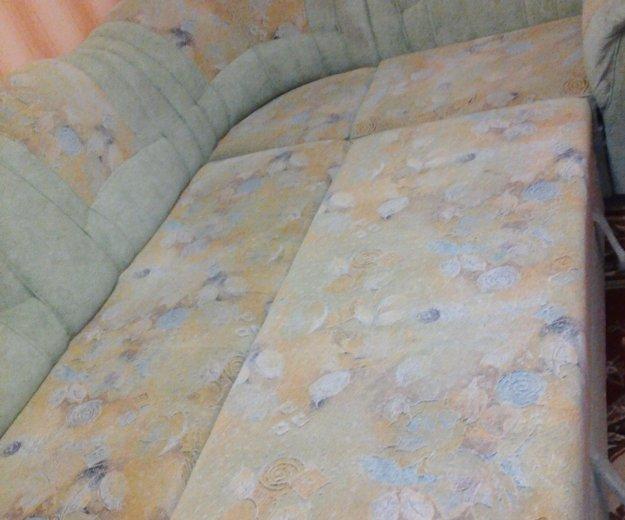Диван угловой и кресло. Фото 1. Братск.
