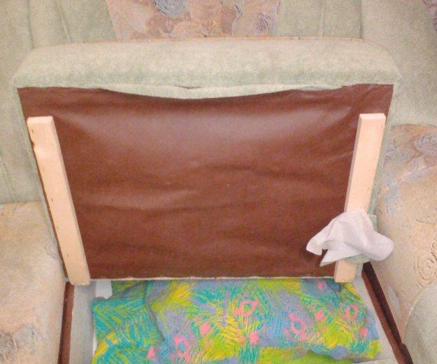 Диван угловой и кресло. Фото 2. Братск.
