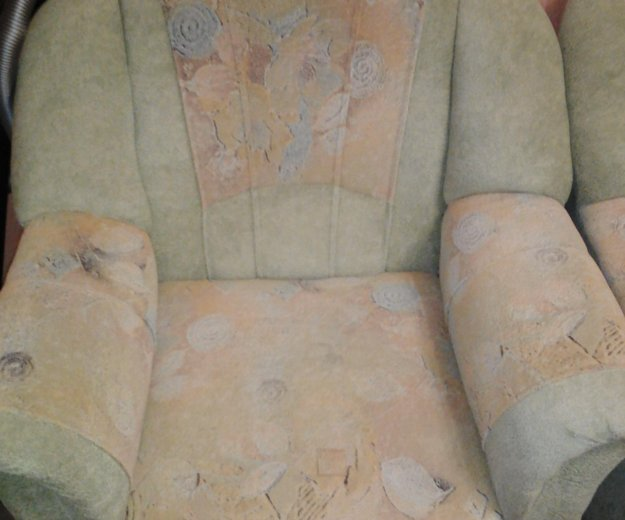 Диван угловой и кресло. Фото 3. Братск.