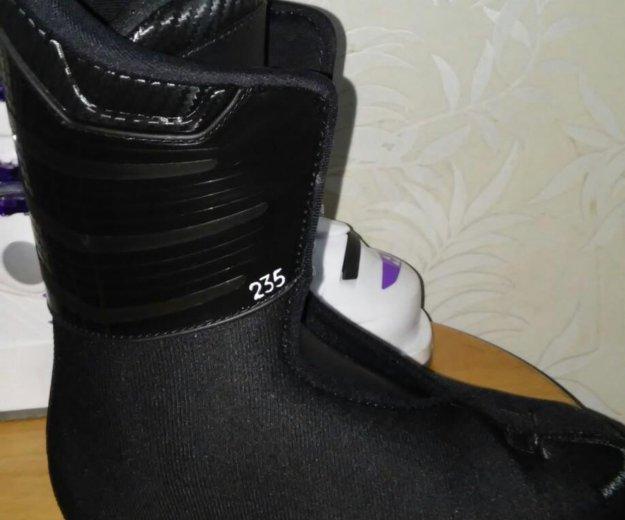 Детские горнолыжные ботинки. Фото 2. Москва.