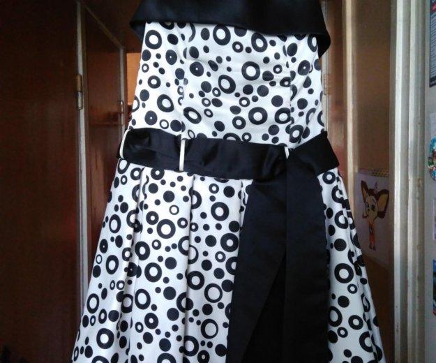 Нарядное красивое платье в отличном состоянии. Фото 1. Калининград.