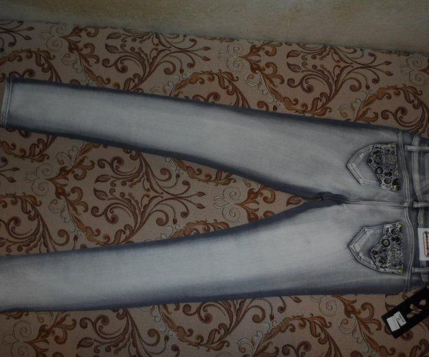 Абсолютно новые джинсы. Фото 2. Омск.