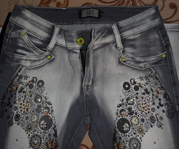 Абсолютно новые джинсы. Фото 3. Омск.