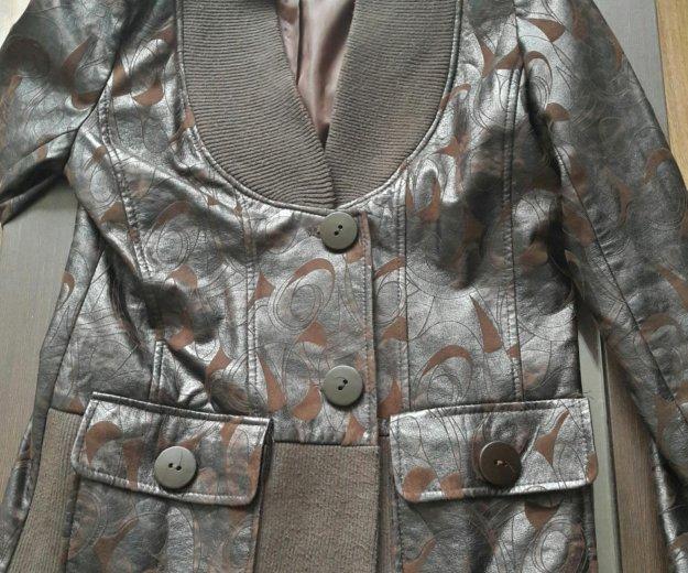 Куртка- пиджак. для женщины. Фото 1. Краснодар.