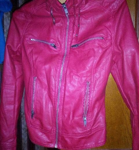 Куртка из искусственной кожи. Фото 1. Москва.