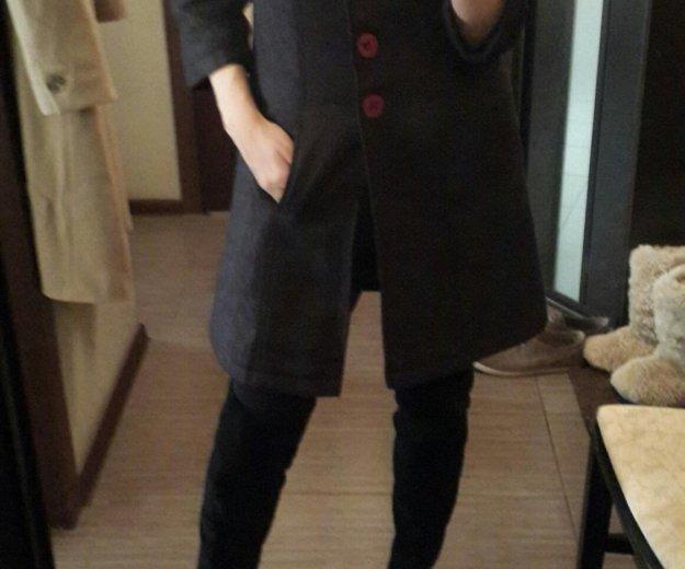 Пальто в составе 70 % шерсти. Фото 1. Видное.