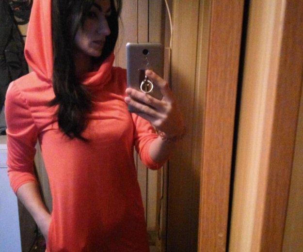 Красное платье. Фото 3. Санкт-Петербург.