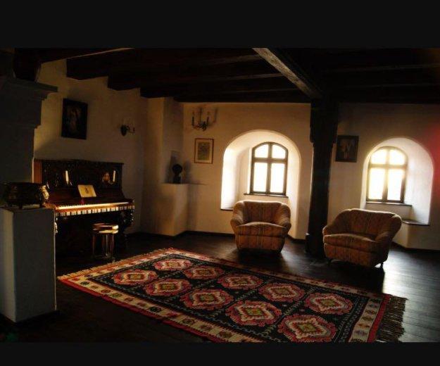 Румынское антикварное пианино как у дракулы в замк. Фото 4. Москва.