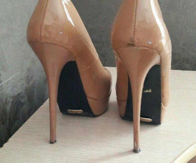 Лаковые туфли 36 размер. Фото 1. Пермь.