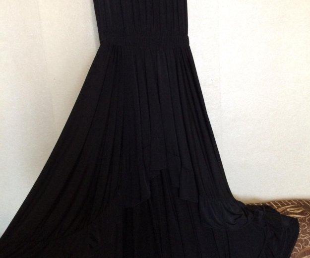 Платье со шлейфом. Фото 2. Серов.