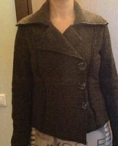 Куртка (пиджак)женская шерсть. Фото 1. Пермь.