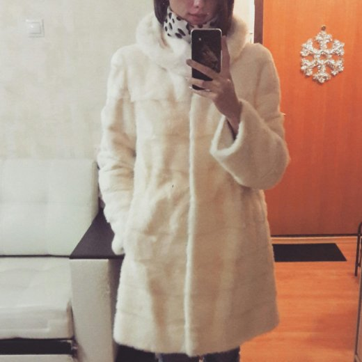 Белая норковая шуба. Фото 1. Екатеринбург.