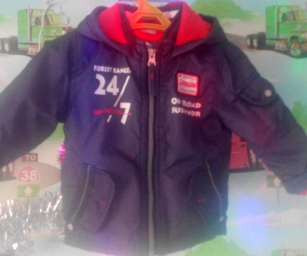 Продам фирменную курточку облегченую. Фото 1. Черногорск.