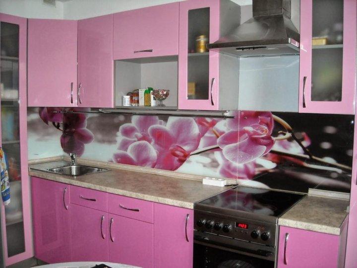 стеновой фартук для розовой кухни фото гарантию того