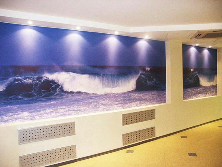 подсветка стен с фотопечатью окончания