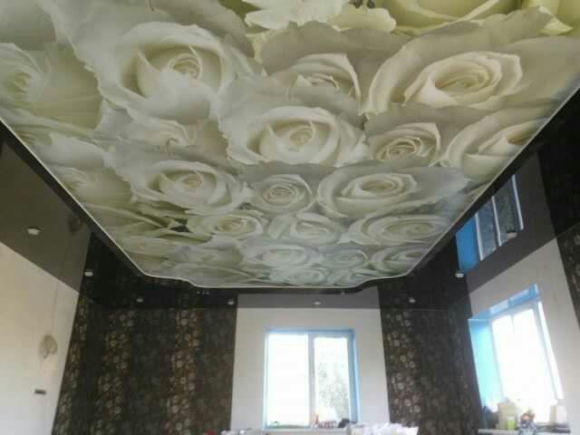 натяжные потолки с фотопечатью белые розы автомобилях
