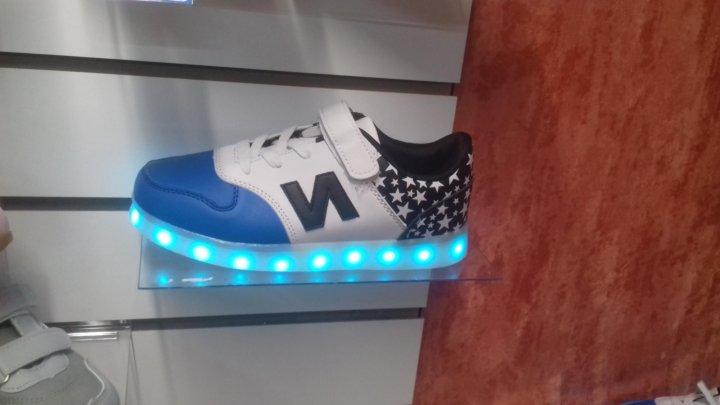 7fb8d4c1b889 светящиеся кроссовки – купить в Набережных Челнах, цена 1 650 руб ...