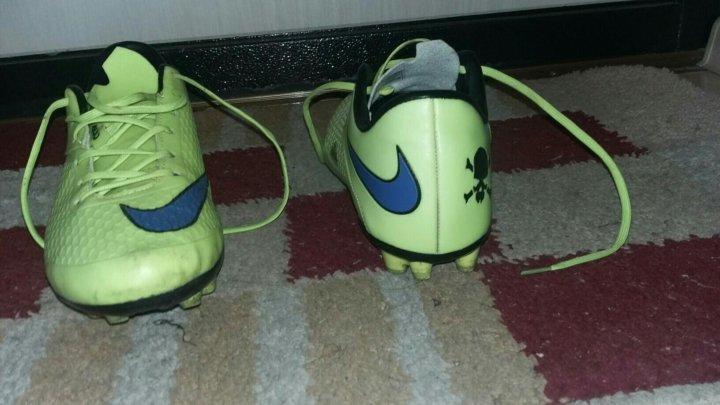 e87b8b3f Футбольные бутсы Nike (Б/У) – купить в Краснодаре, цена 1 100 руб ...
