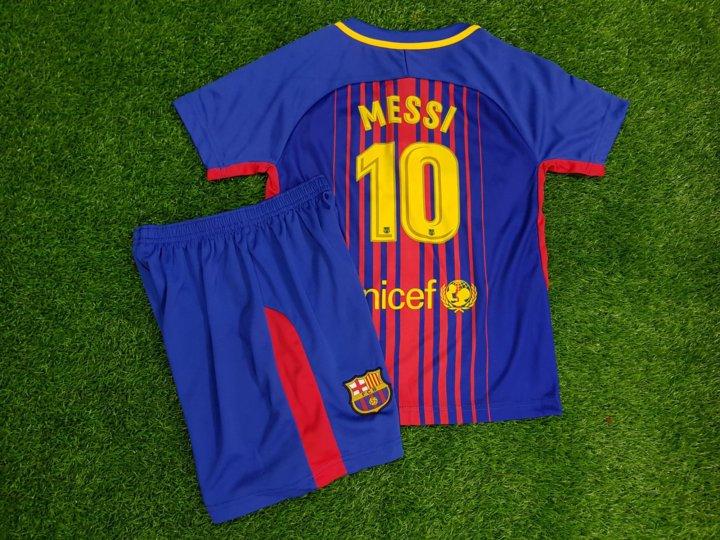 Футбольная форма Месси Барселоны 2017 2018 – купить в Санкт ... f78371372f0