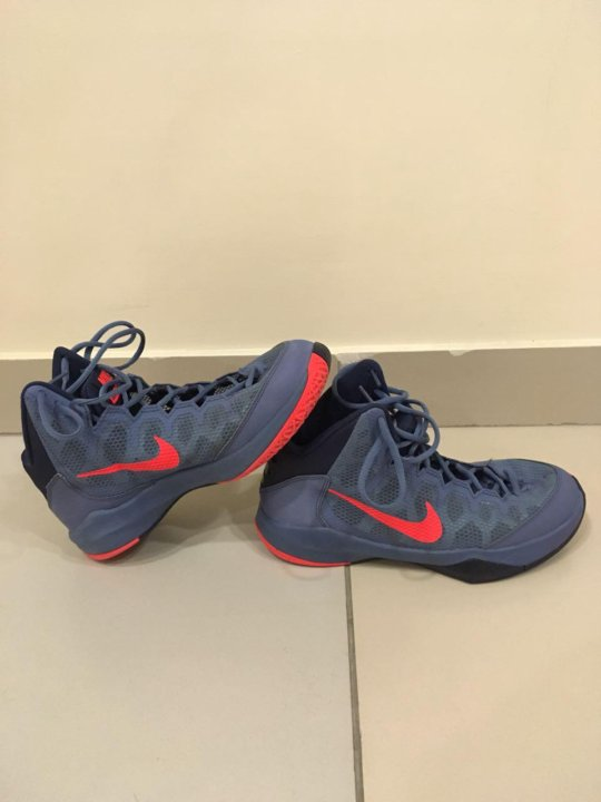 faa77f82 Баскетбольные кроссовки Nike Zoom (43) – купить в Краснодаре, цена 1 ...