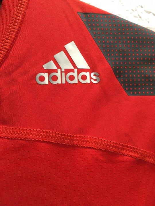 6045bdf6ce7b Новая компрессионная футболка Adidas – купить в Энгельсе, цена 700 ...