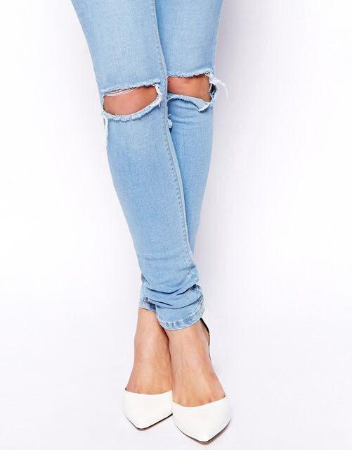 джинсы с рваными коленями картинки микроскопом